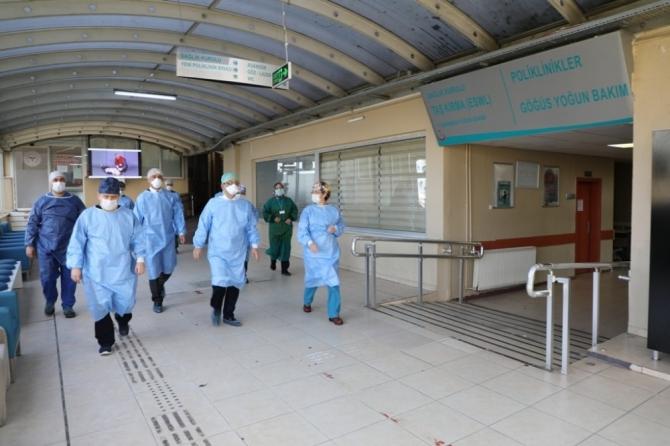 Vali Güner, Bartın Pandemi Hastanesinde incelemelerde bulundu