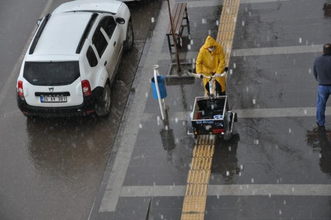 Kars'ta bahar yağmurları etkili oluyor