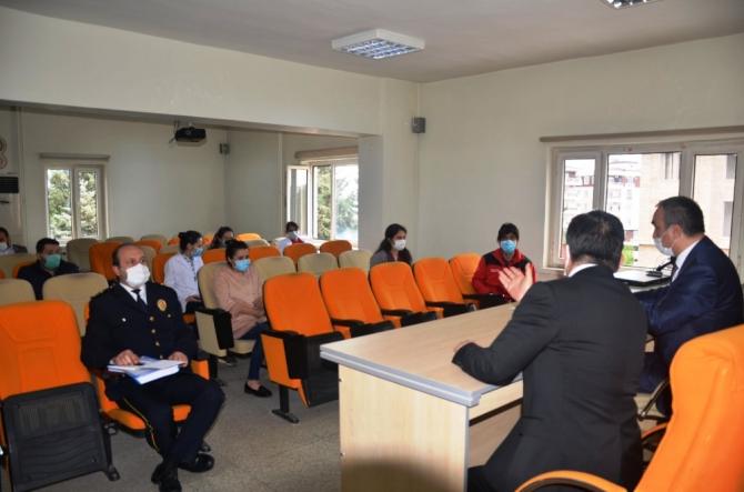 Vali Soytürk Emniyet Personeli ve Sağlıkçılarla bir araya geldi
