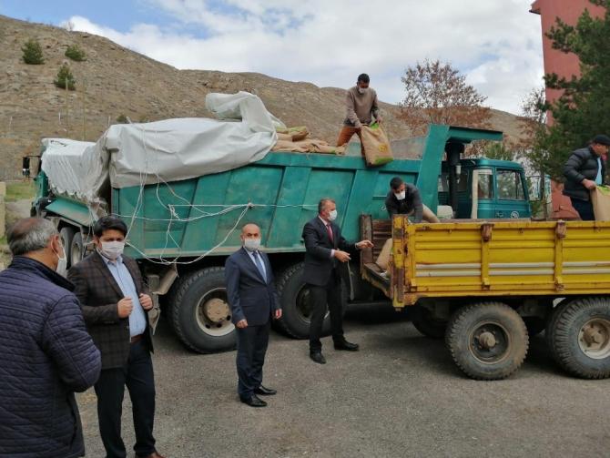 Zaralı 200 çiftçiye yazlık tohum dağıtıldı