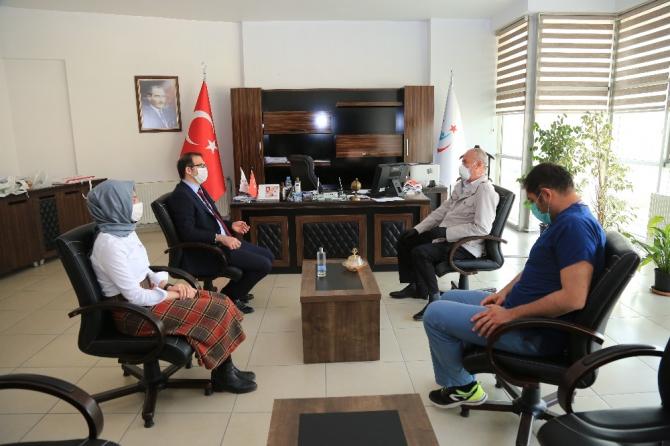 Başkan Akman'dan sağlık çalışanlarına moral ziyareti