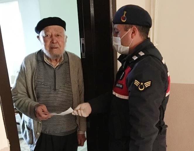86 yaşındaki amcadan 10 bin lira bağış