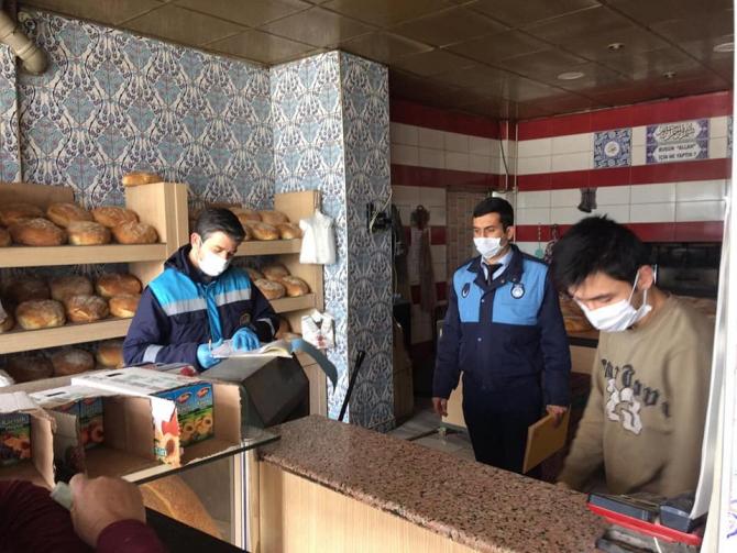 Zabıta ekipleri fırın ve marketleri denetledi