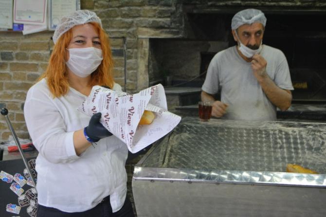 Ayvalık'ta fırınlarda ekmek üretimi başladı