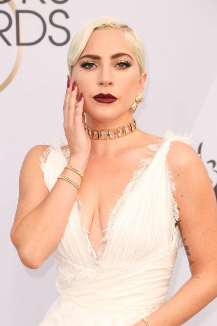 Lady Gaga Hepimiz aynı gemideyiz sloganını sahtekarca bulduğunu söyledi