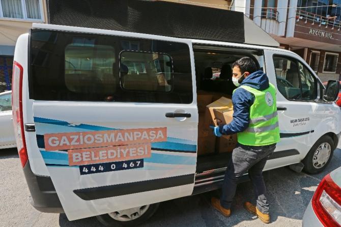 Gaziosmanpaşa'da yasağın ilk günü erzak ve ekmek dağıtımı yapıldı