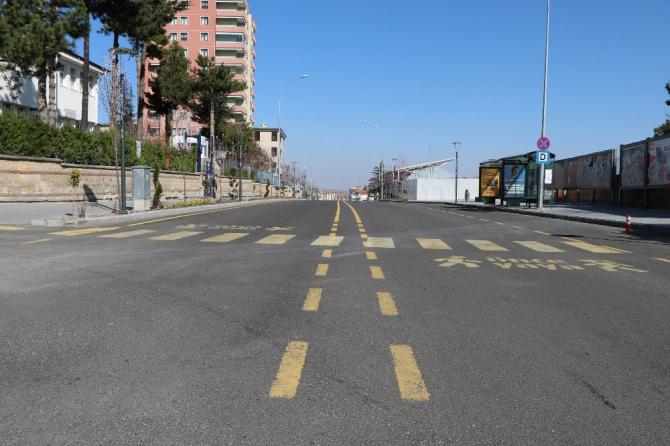 Nevşehir'de sokağa çıkma yasağı yok ama caddeler boş kaldı