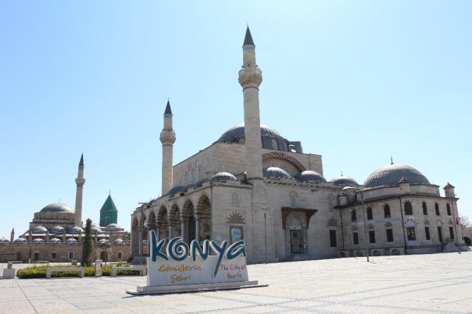 Konya'da sokaklar sessizliğe büründü