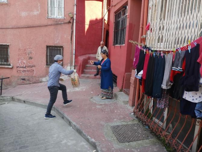Fırıncılar ekmek dağıtımına başladı