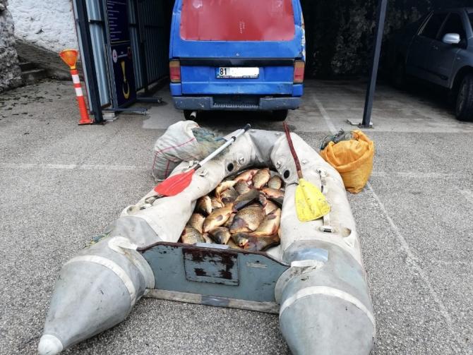 Jandarmadan kaçak balık avlayanlara 32 bin 683 lira ceza