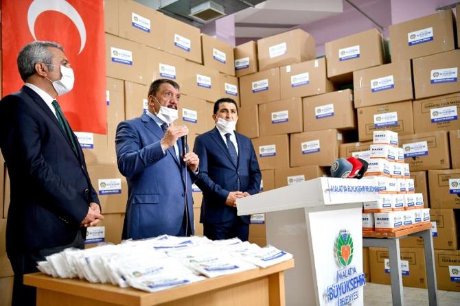 Malatya Büyükşehir Belediyesine 600 bin maske