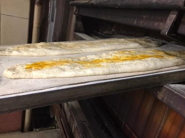 1 metre 25 santimetre uzunluğunda ve bir kilogram ağırlığındaki pide 5 TL