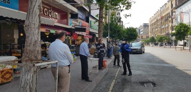 Mersin'de polislerden korona virüs bilgilendirmesi