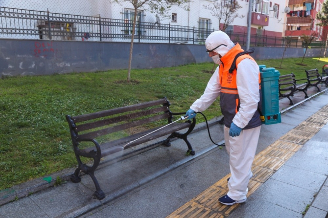 Gaziosmanpaşa'da parklar 65 yaş üstü vatandaşlar için hazırlıyor