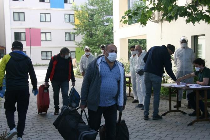 Hollanda'dan getirilerek karantinaya alınan 349 kişinin tamamı evlerine gönderildi