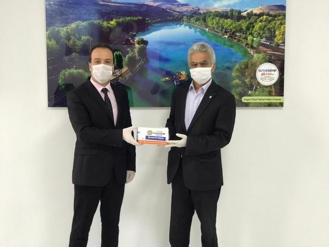 Malatya'da vakıf, dernek ve odalara maske dağıtıldı