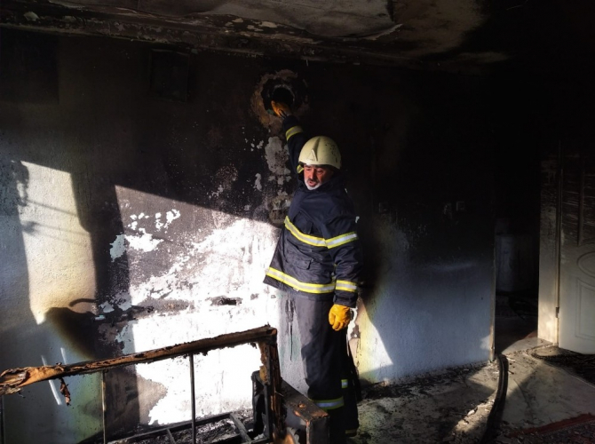Soba bacasından çıkan yangında 1 kişi dumandan etkilendi