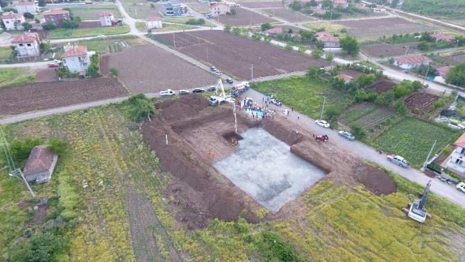Sındırgı'da 18 derslikli Cumhuriyet Ortaokulu'nun temeli atıldı