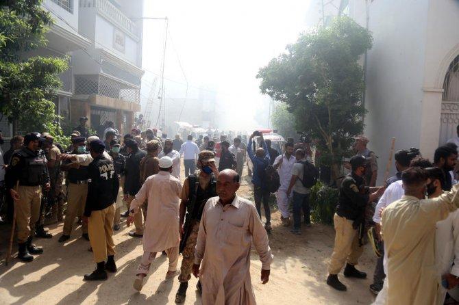 Pakistandaki uçak kazasına ilişkin korkutan açıklama geldi: Kazada kimsenin kurtulduğunu düşünmüyoruz