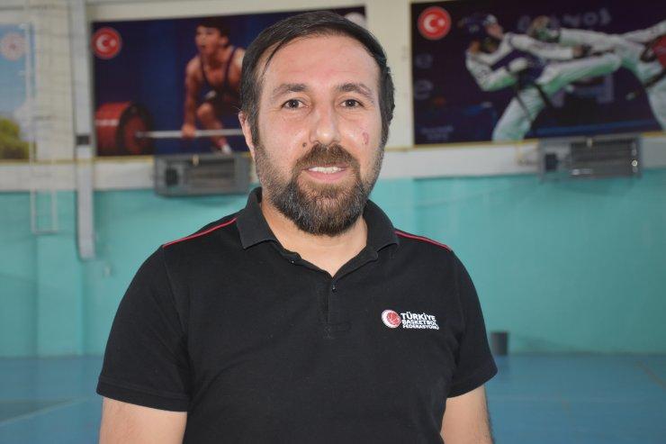 """Şırnak'ta gençlere """"online"""" spor eğitimi"""