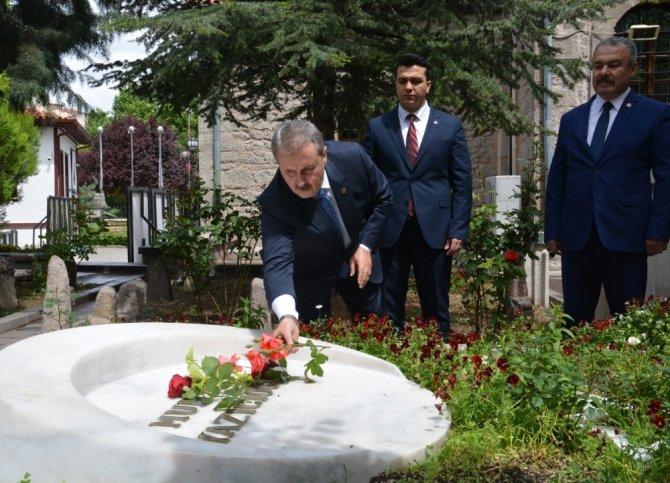 BBP Genel Başkanı Destici'den Muhsin Yazıcıoğlu'nun kabrine ziyaret