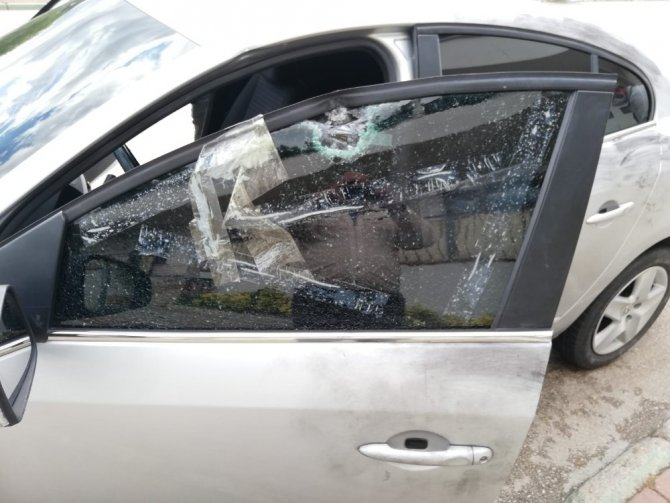 Husumetlisine ateş ederken yol kenarındaki genci yaralayan şüpheli adliyeye sevk edildi