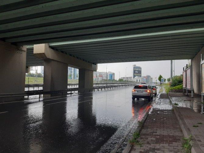 İstanbul'da bu sabah şiddetli yağış!