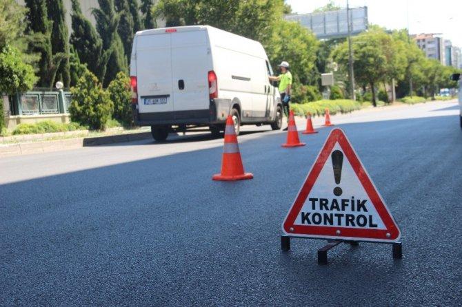 İzmir, kısıtlamanın ilk gününde bomboş