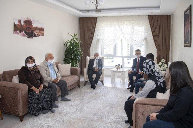 Kayseri'de şehit ailelerine anlamlı ziyaret