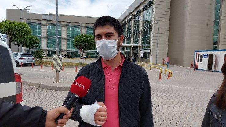 Kırıkkale'de hasta yakını, iki doktoru darbetti