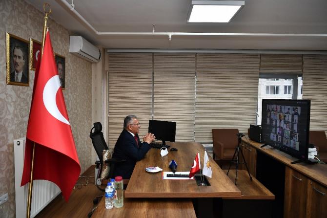 Başkan Büyükkılıç'tan video konferans ile bayramlaşma