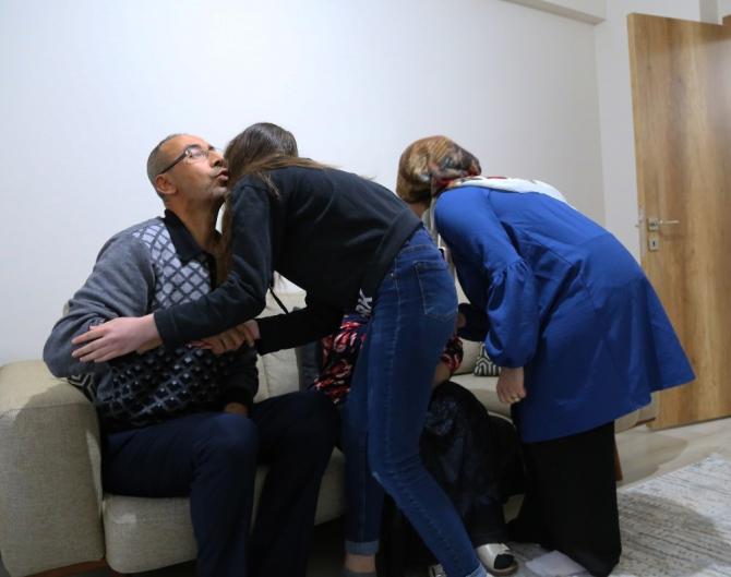Depremzede ailenin ilk annesiz hüzünlü bayramı