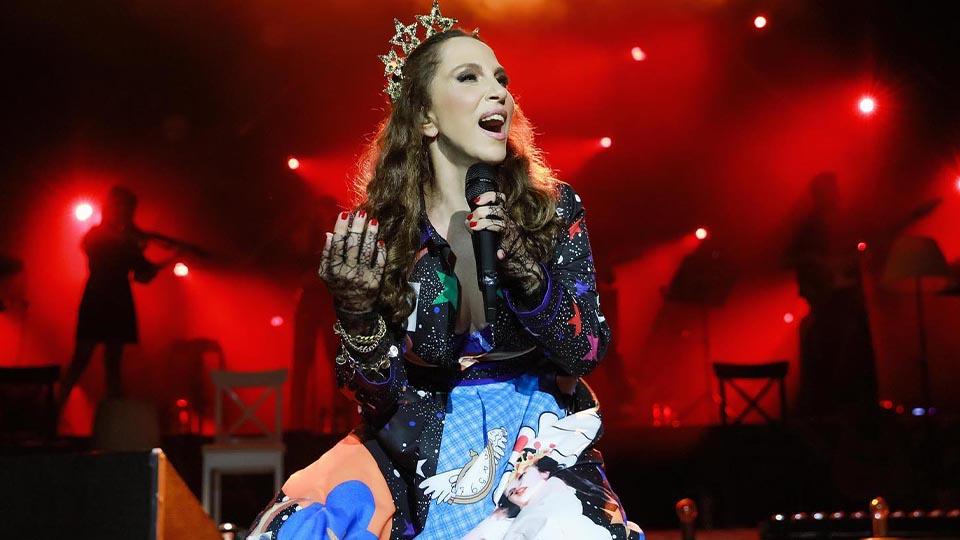 17 yıl sonra yeniden! Sertap Erener Eurovision'da yeniden birinci oldu