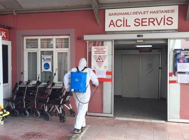 Sağlık çalışanlarının testi pozitif çıkınca poliklinikler kapatıldı