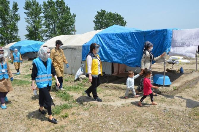 Mevsimlik tarım işçilerinin sağlık kontrolleri yapılıyor