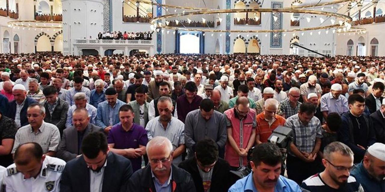 Antalya İl Müftüsü Aktan açıkladı: 1 buçuk saat süren cuma namazının süresi değişti