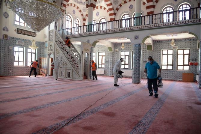 Pursaklar'da camilerde hazırlıklar tamam