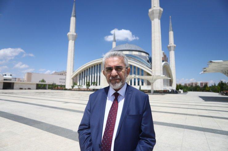 Ankara Müftüsü: Farz camide kılınacak, sünnet ve tespihat evde olacak