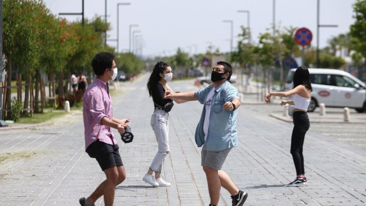 15-20 yaş arası kişilerin sokağa çıkma izni başladı