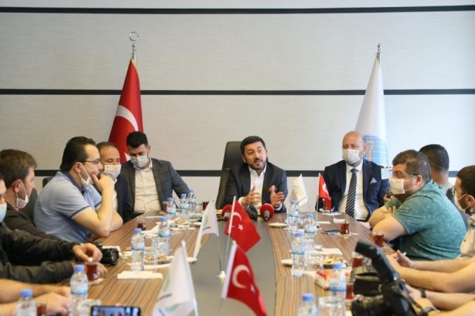 Belediye Başkanı Rasim Arı basın toplantısı düzenledi