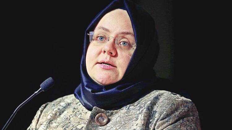 Kreş paylaşımı yapan Berna Laçin'e Zehra Zümrüt Selçuk'tan cevap