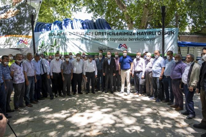 Büyükşehir Belediyesi, Mut çiftçilerine sulama borusu dağıtıyor