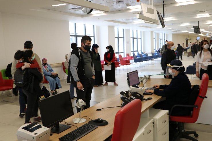 Eskişehir Şehir Hastanesi'nde polikliniklere vardiya uygulaması geliyor