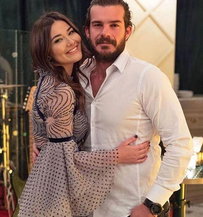 Hakan Hatipoğlu eşinin doğum gününü kutladı