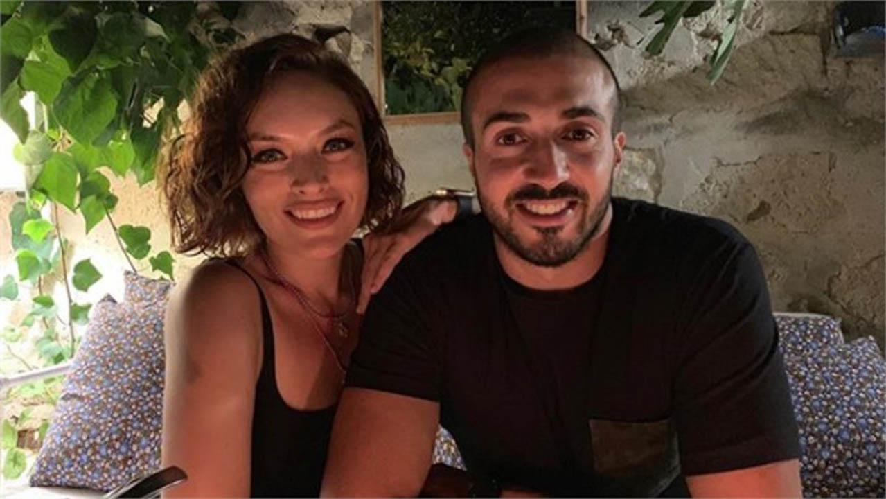 Ezgi Mola ve Sevgilisi Mustafa Aksakallı'dan sevindiren haber!