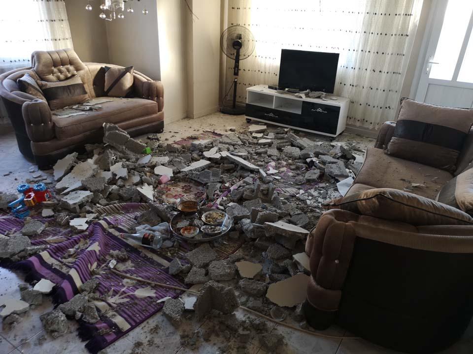 Mersin'de akıl almaz olay! Yemek yedikleri salonun tavanı çöktü