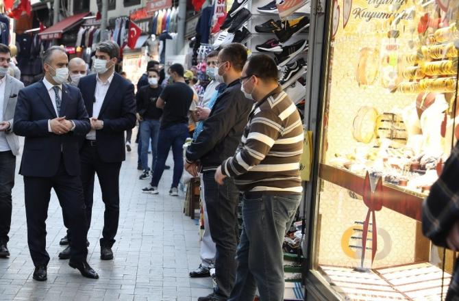 Bursa tarihi çarşıda yüzler gülüyor