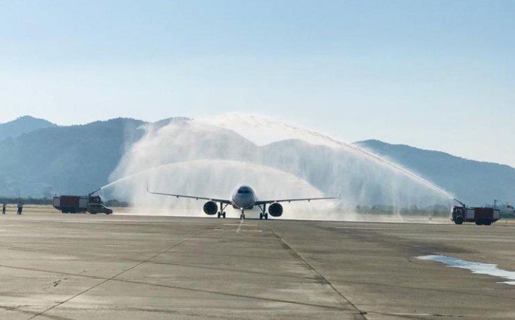 Dalaman Havalimanı'na normalleşme sürecindeki ilk uçak seferi yapıldı