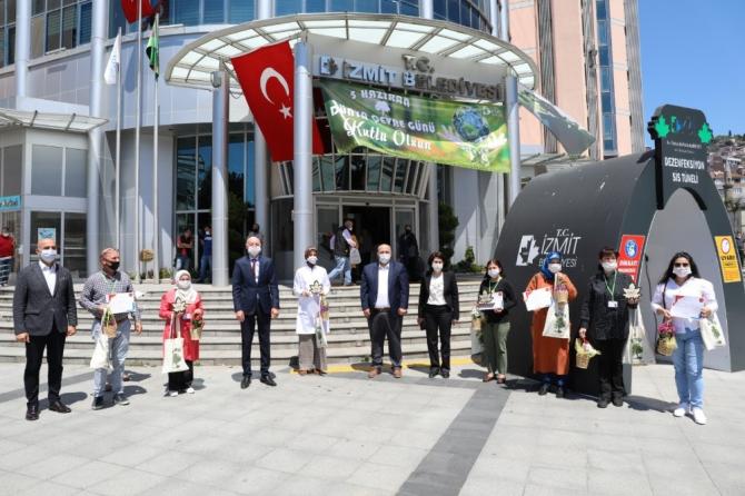 İzmit Belediyesi yılın çevrecilerine ödüllerini verdi