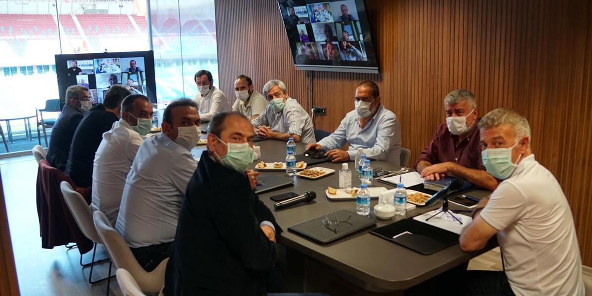 Trabzonspor yönetimi toplantı gerçekleştirdi